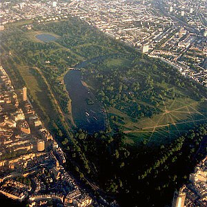 300px-Aerial_view_of_Hyde_Park