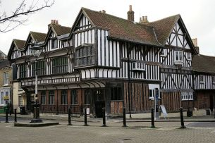 Tudor_House,_Southampton